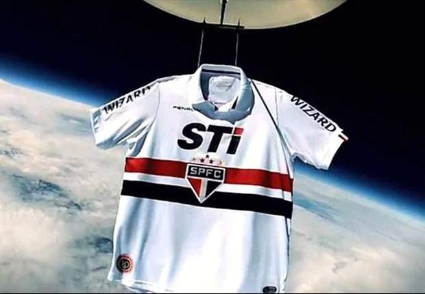 ¡Insólito! La camiseta del Sao Paulo llega al espacio