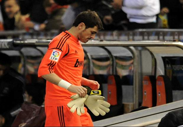 Goal.com readers split over Casillas injury dilemma