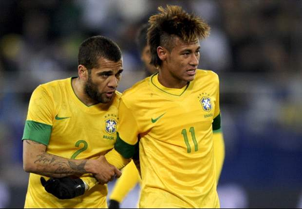 Dani Alves: I've been trying to lure Neymar to Barcelona for ages