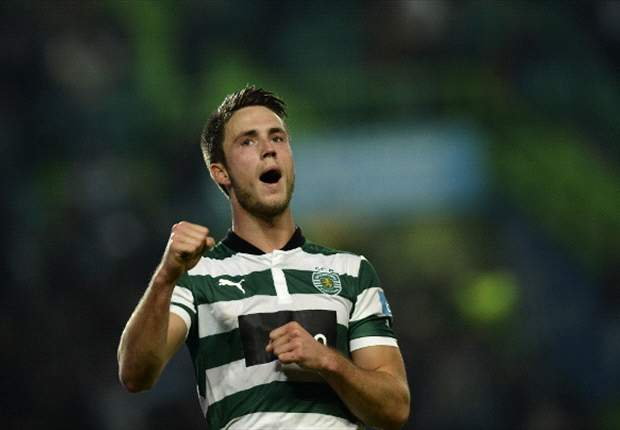 Hughton declares an interest in Van Wolfswinkel