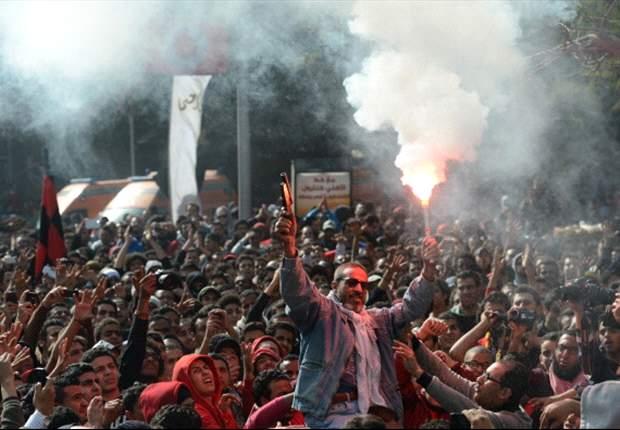 Antes del fútbol, los hinchas de Al Ahly festejaban por la sentencia a muerte de 21 personas.