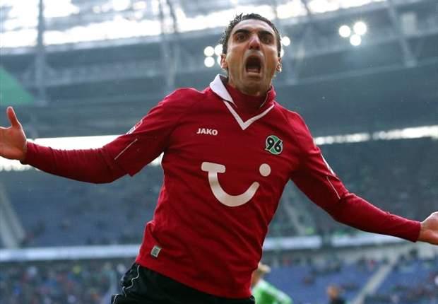 Hannover 96 gewinnt in Unterzahl Abwehrschlacht gegen den VfL Wolfsburg