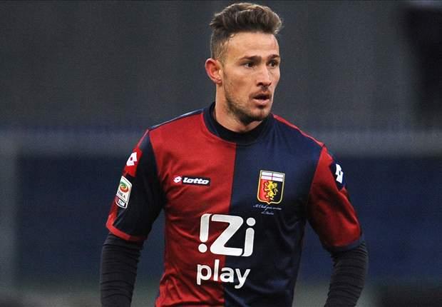 Brutte notizie per il Genoa: distrazione muscolare per Floro Flores, out 3-4 settimane