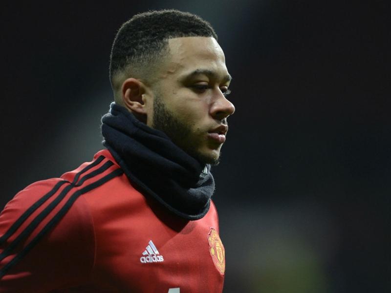 Manchester United, Depay pointé du doigt