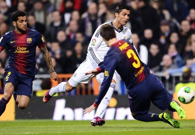 Dani Alves: Real Madrid Bukan Saingan Barcelona
