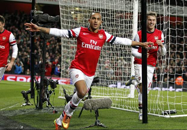 Walcott hoping to lead the line in Arsenal's Champions League push