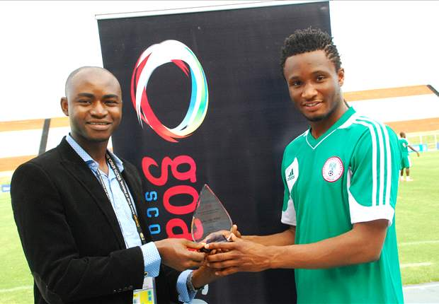 Chelsea's Mikel receives Goal.com Nigeria Player of the Year award