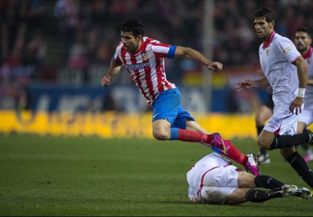 Coppa del Re, semifinale - Atletico Madrid-Siviglia 2-1: Festival del penalty e del cartellino rosso al 'Calderon', giochi aperti per il ritorno