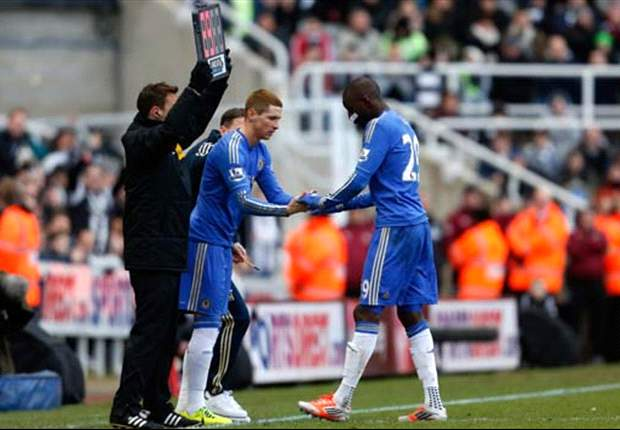 TEAM NEWS: Ba preferred to Torres in attack for Chelsea's fixture against Sunderland