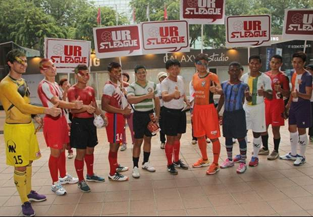 S.League CEO Lim Chin (c) urges particiaption in the Orange Ribbon Walk/Run (Photo: FAS)