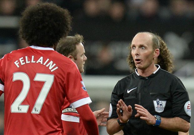 'This ain't a joke any more' - Twitter roasts Mike Dean over Newcastle-Man Utd penalty decisions