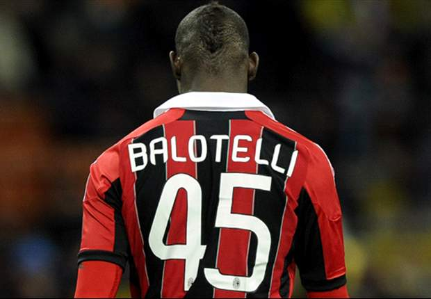 Top 10 Balotelli moments of madness