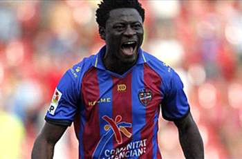 Seattle Sounders sign Obafemi Martins