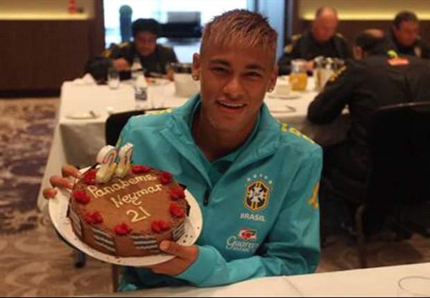 Neymar cumple 21 años 'siendo más' que Messi y Cristiano