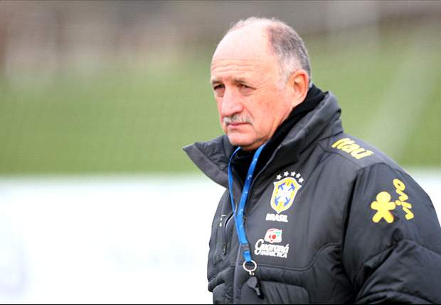 Brazil coach Scolari defends record at Chelsea