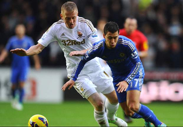 Monk signs new Swansea deal