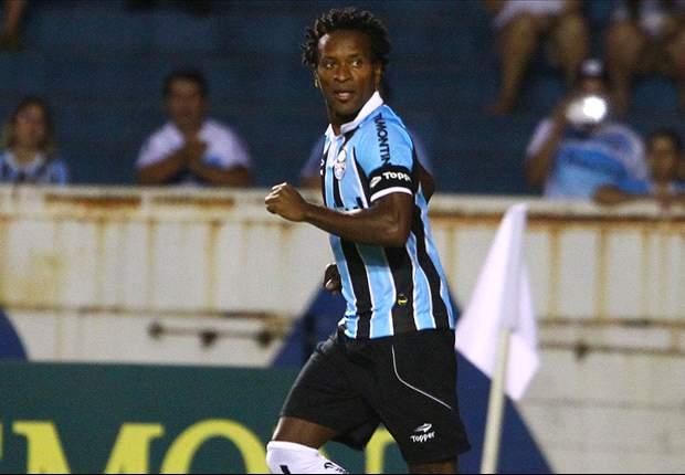 Jogadores evitam criticar o gramado da Arena do Grêmio