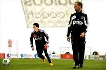 Cuenca wants another year at Ajax with De Boer