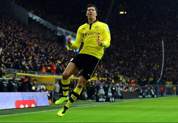 Lewandowski agent denies Manchester United rumors