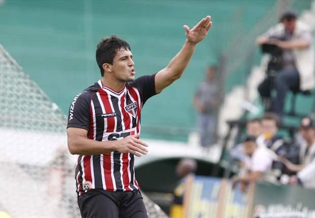 Aloisio comemora primeiro gol no São Paulo