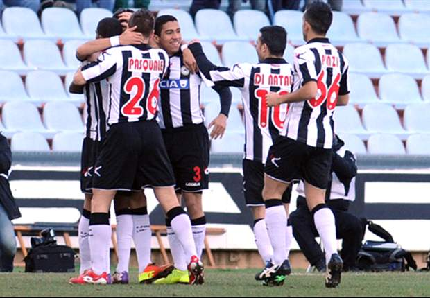 REVIEW Serie A Italia: Udinese Raih Poin Penuh, Genoa Tertahan