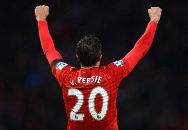 Van Persie is my Player of the Year, not Suarez - Vlaar