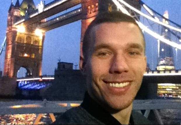 Slideshow: Arsenal star Podolski gives a tour of London