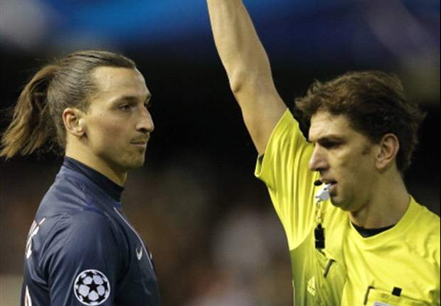 Raiola: Referee deserves to be banned for Ibrahimovic red card