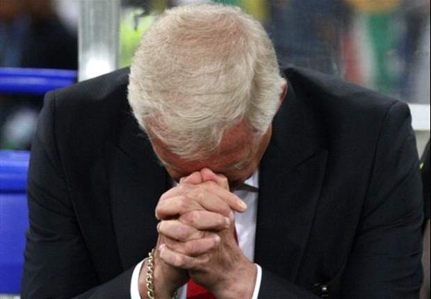 South Africa coach Gordon Igesund hospitalized, and doctor confirms he will be back for Bafana