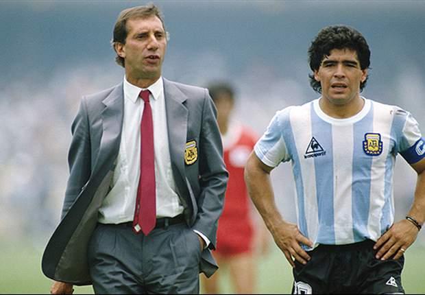 """""""Puedo escribir un libro sobre Maradona"""""""