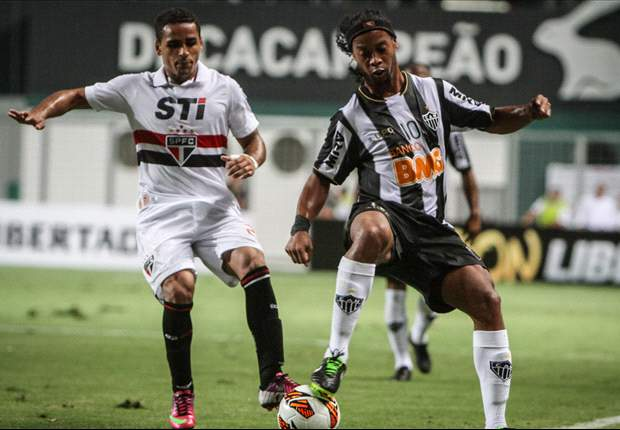 Ronaldinho confiante para jogo contra o Arsenal-ARG