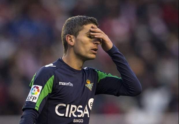 Tremendo error del árbitro en el Betis - Málaga