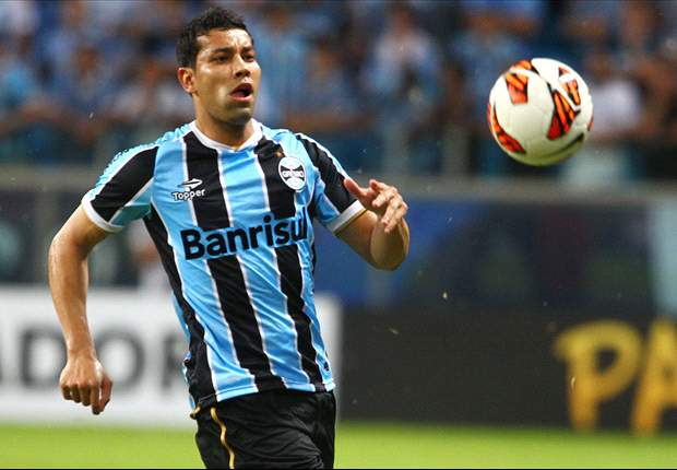 Arsenal full-back Santos wanted Gremio stay