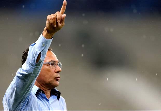 Luxemburgo surpreende, e Grêmio vai com 3 zagueiros para o clássico