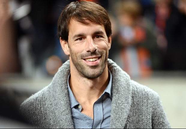 Send your questions to Ruud van Nistelrooy's live Twitter chat!