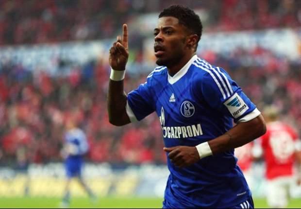 Bastos redt Schalke, Leverkusen wint nipt