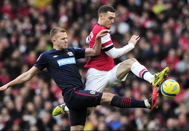 Arsenal captain Vermaelen ruled out for three months