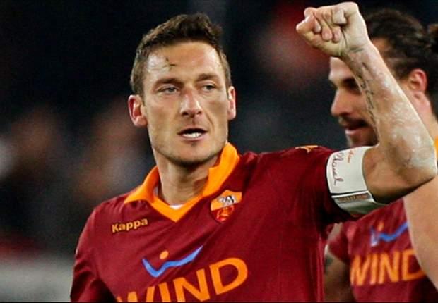 Francesco Totti Mendapat Kejutan Di Trigoria