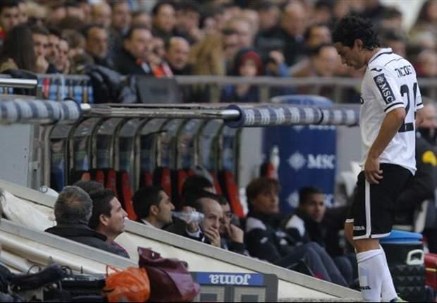 Tino Costa Berkelahi Dengan Fan