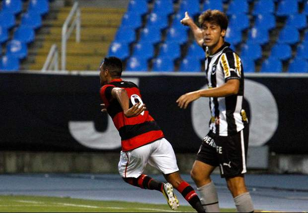 Flamengo 1 x 0 Botafogo: Hernane usa a canela para determinar a vitória rubro-negra