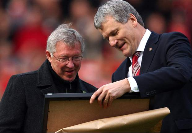'Gill departure is a big loss' - Ferguson praises outgoing Manchester United chief executive