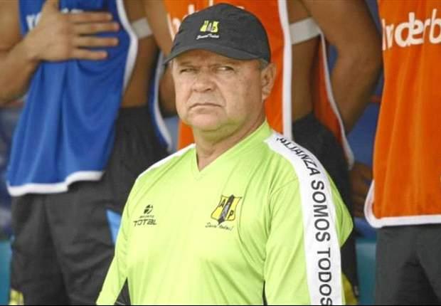 """""""Siempre estuve solo"""", dijo Héctor Estrada luego de su renuncia"""
