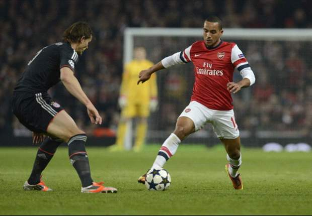 Walcott: Wenger is the best man for Arsenal
