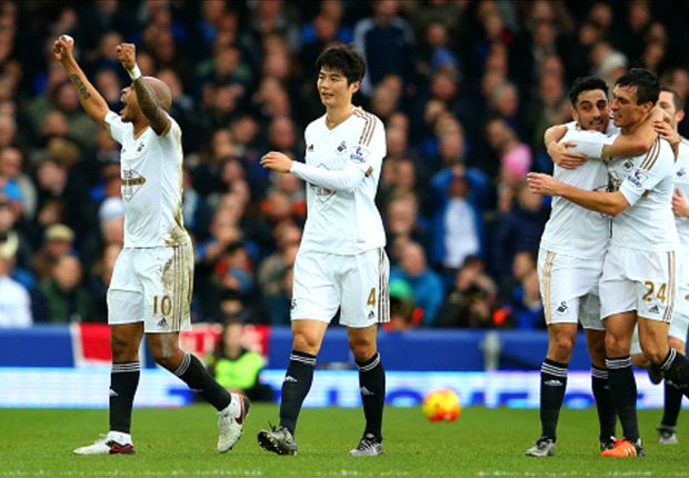 Everton 1-2 Swansea City: Guidolin era kicks off with a win thanks to Ayew winner