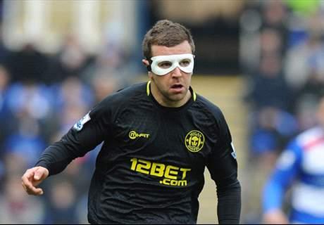 Burnley Kembali Tawar James McArthur