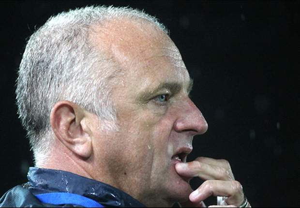 Mariners coach Arnold keen on Lippi standoff