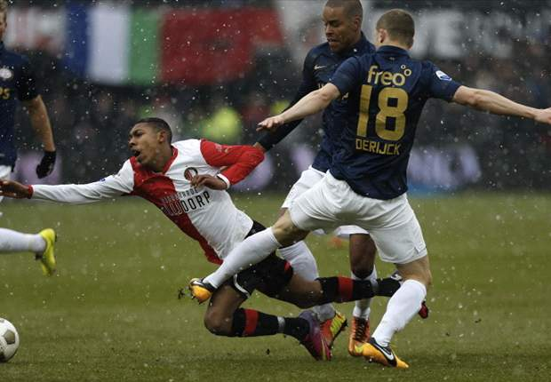 Feyenoord klopt PSV en haakt weer aan