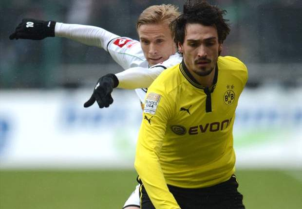 Hummels open to Barcelona summer switch