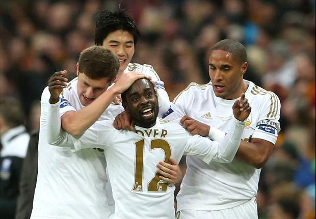 Bradford 0-5 Swansea City: Dyer & De Guzman doubles seal Capital One Cup for Laudrup's side