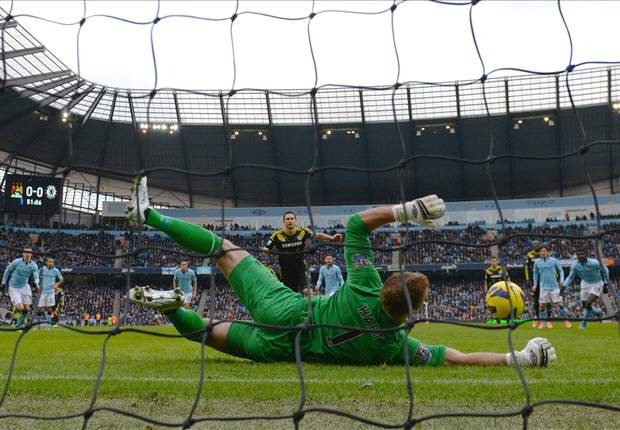 Manchester City goalkeeper Hart delighted to get back to winning ways